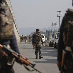 राष्ट्रद्रोही विरोधक असल्यानंतर पाकिस्तानची गरजच काय?